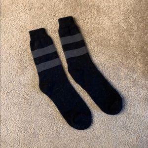 Men's black and grey striped socks